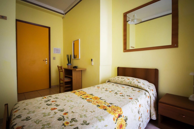 http://www.hoteltampico.it/wp-content/uploads/2016/05/singola_01.jpg