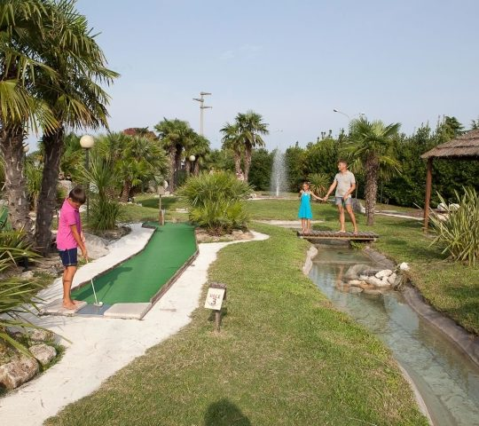 http://www.hoteltampico.it/wp-content/uploads/2017/01/adventuregolf_03-540x480.jpg