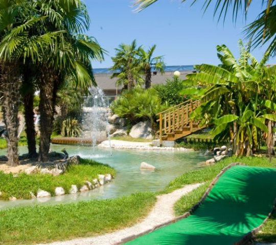 http://www.hoteltampico.it/wp-content/uploads/2017/01/adventuregolf_05-540x480.jpg